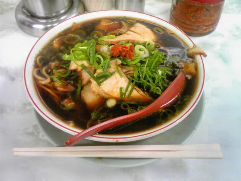 新福菜館のラーメン