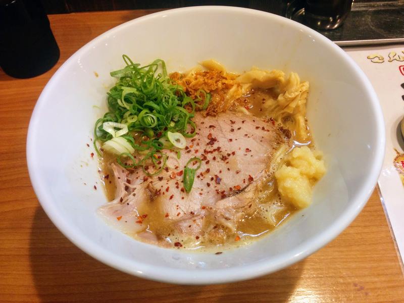 こんじきの醤油鶏白湯ラーメン
