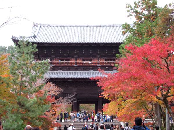 南禅寺の三門の様子