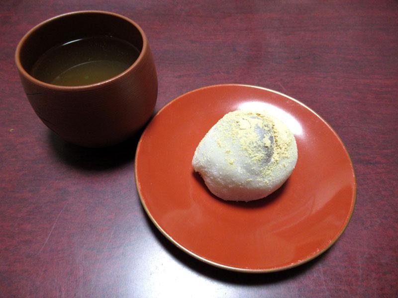 栗餅と緑茶