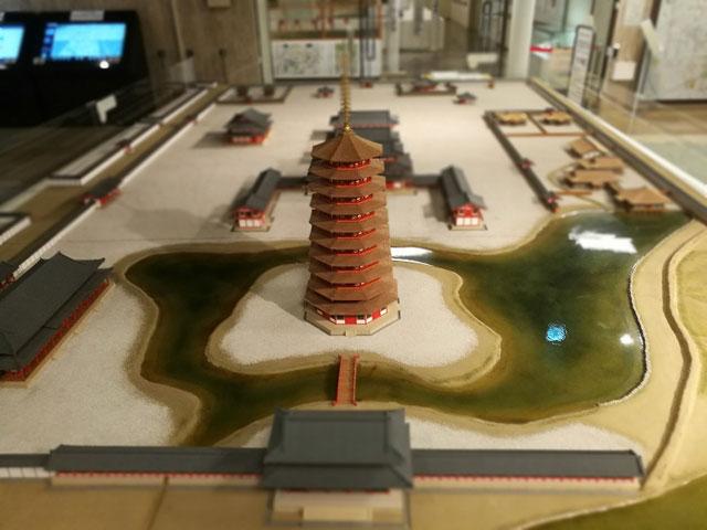 法勝寺復元模型