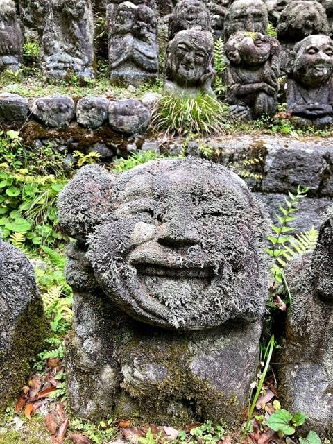 笑顔の羅漢像