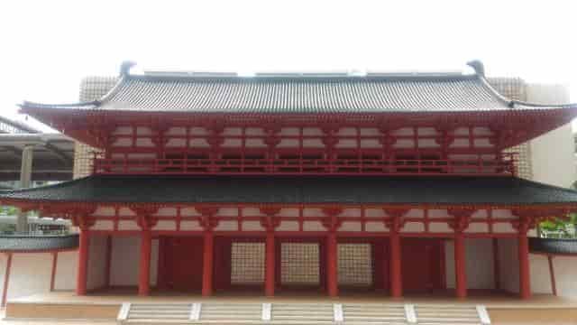 羅城門の復元模型(正面より撮影)